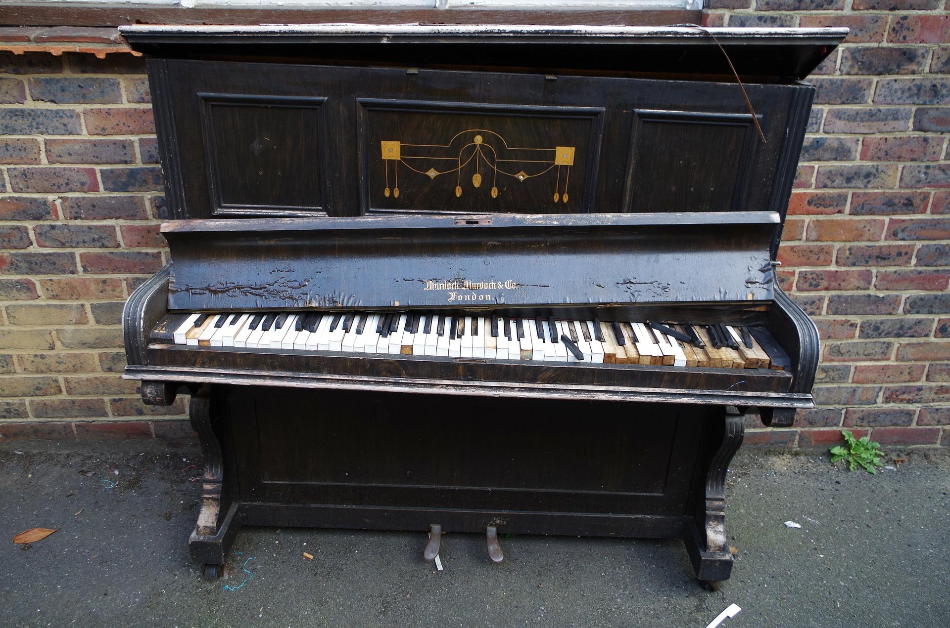 piano-196280_1920